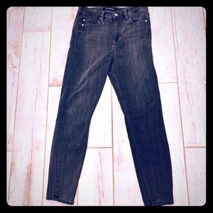 High rise Ankle Black Liverpool Jeans